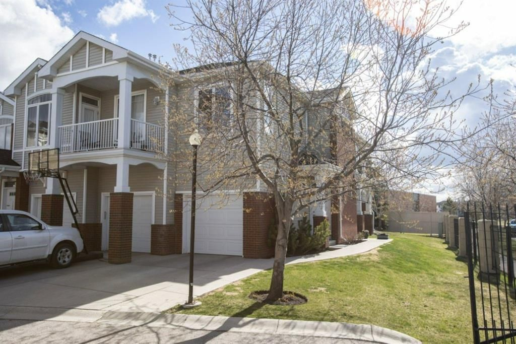 Main Photo: 1205 8000 Wentworth Drive SW in Calgary: West Springs Row/Townhouse for sale : MLS®# A1100584