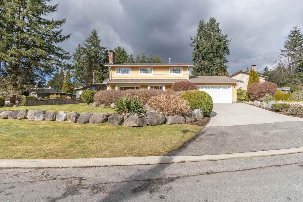 Photo 2: Photos: 2576 BELLOC Street in North Vancouver: Blueridge NV House for sale : MLS®# R2544929