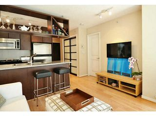 """Photo 2: 1903 1001 RICHARDS Street in Vancouver: Downtown VW Condo for sale in """"MIRO"""" (Vancouver West)  : MLS®# V1079100"""