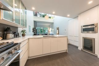 """Photo 4: 302 650 MOBERLY Road in Vancouver: False Creek Condo for sale in """"EDGEWATER"""" (Vancouver West)  : MLS®# R2497514"""