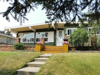 Main Photo: 4235 40th Street NW in Calgary: Varsity Detached for sale : MLS®# A1132885