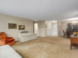 """Photo 5: 302 5425 YEW Street in Vancouver: Kerrisdale Condo for sale in """"The Belmont"""" (Vancouver West)  : MLS®# R2337022"""