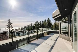 Photo 2: 14115 Marine Drive: White Rock House for sale (South Surrey White Rock)
