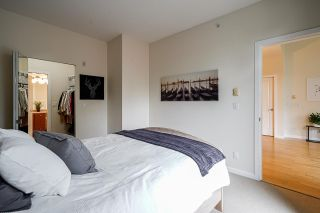 """Photo 9: 424 10180 153 Street in Surrey: Guildford Condo for sale in """"Charleton Park"""" (North Surrey)  : MLS®# R2582577"""