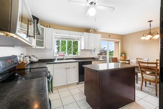 Photo 10: 1138 CHARLAND Avenue in Coquitlam: Central Coquitlam House for sale : MLS®# R2604391