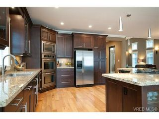 Photo 4: 1291 Eston Pl in VICTORIA: La Bear Mountain House for sale (Langford)  : MLS®# 640163