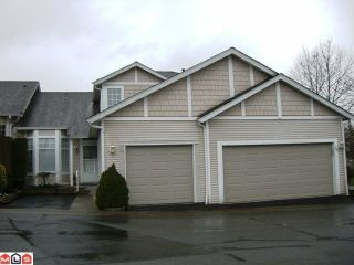 """Photo 1: 131 9012 WALNUT GROVE Drive in Langley: Walnut Grove Townhouse for sale in """"Queen Anne Green"""" : MLS®# F1103996"""