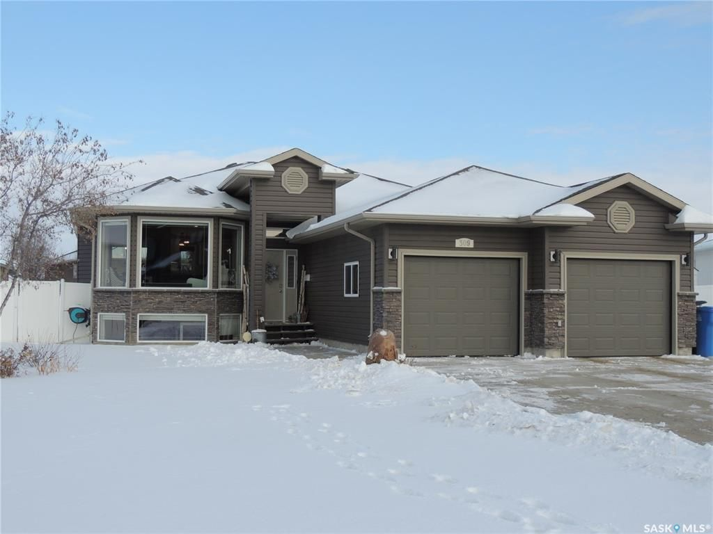 Main Photo: 309 Frehlick Bay in Estevan: Trojan Residential for sale : MLS®# SK795520