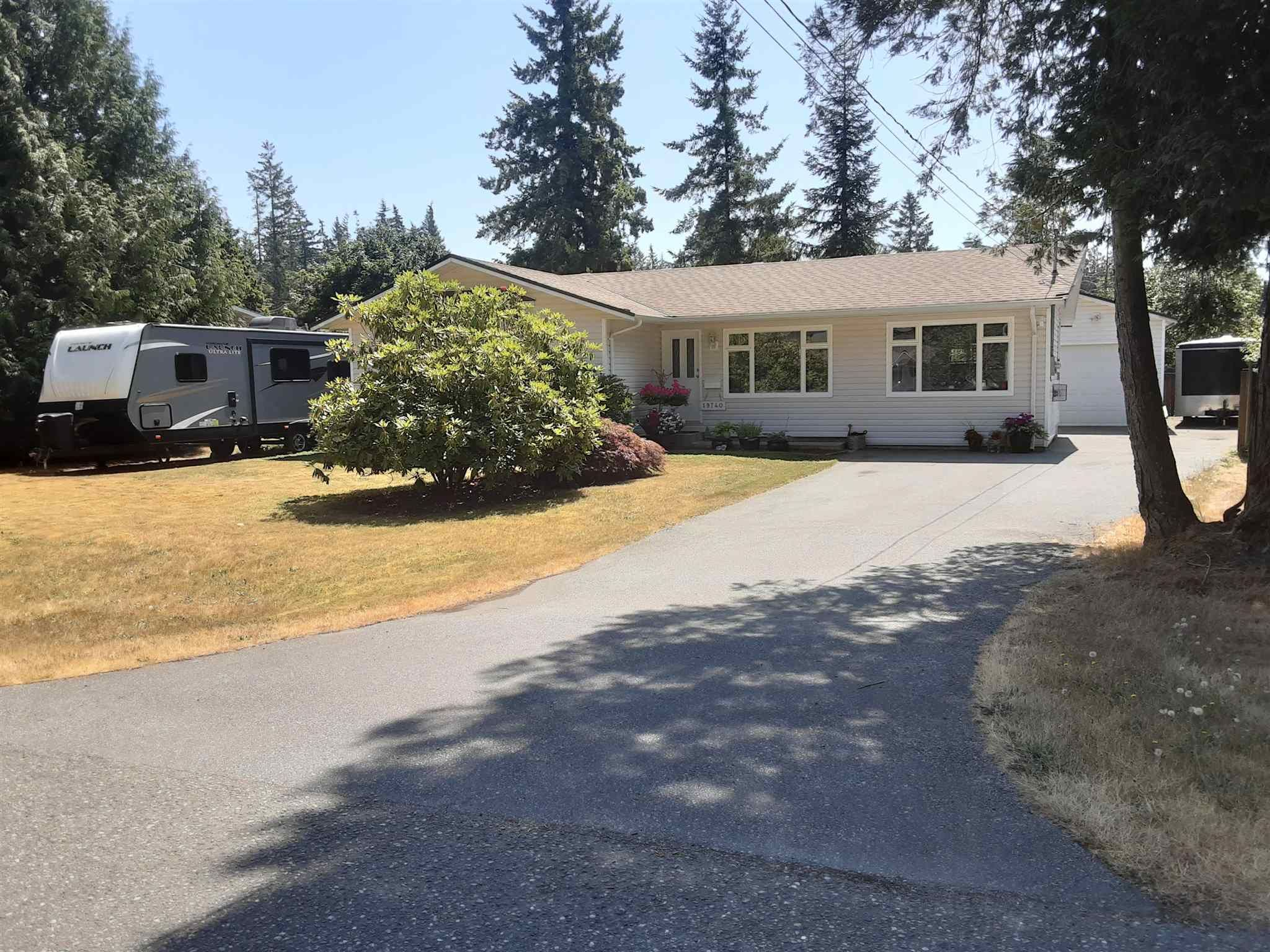 """Photo 2: Photos: 19740 40A Avenue in Langley: Brookswood Langley House for sale in """"BROOKSWOOD"""" : MLS®# R2602130"""