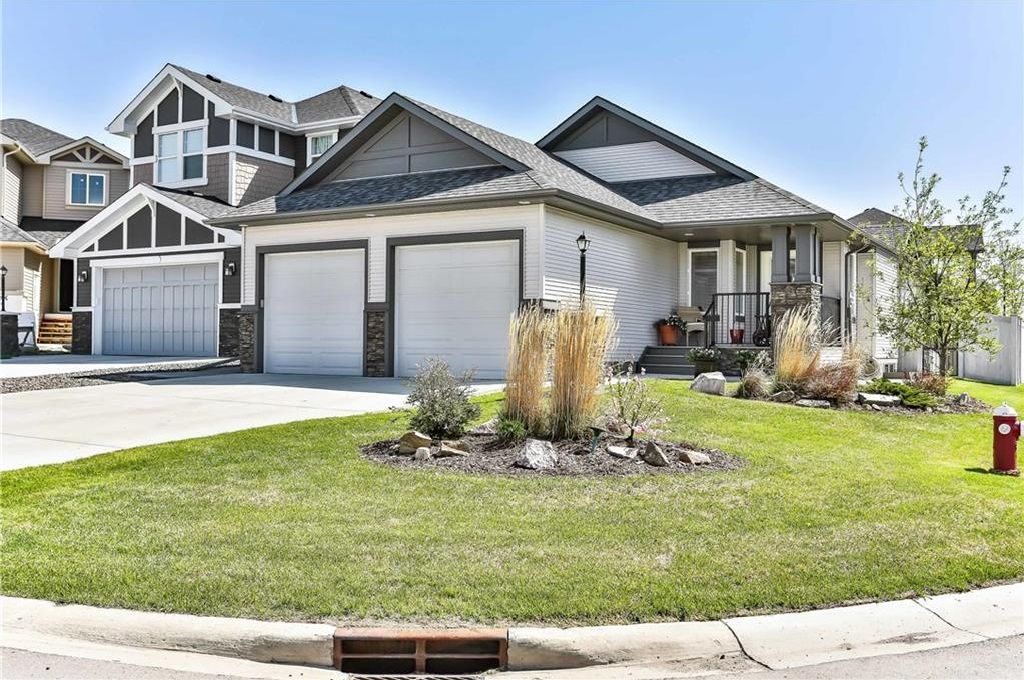 Main Photo: 100 CIMARRON SPRINGS Bay: Okotoks House for sale : MLS®# C4184160