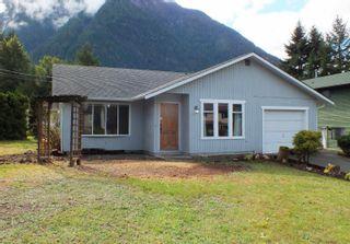 Photo 1: 65416 SKYLARK Drive in Hope: Hope Kawkawa Lake House for sale : MLS®# R2625805