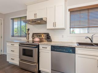 Photo 5: 9727 Austin Road SE in Calgary: Acadia Detached for sale : MLS®# A1071027