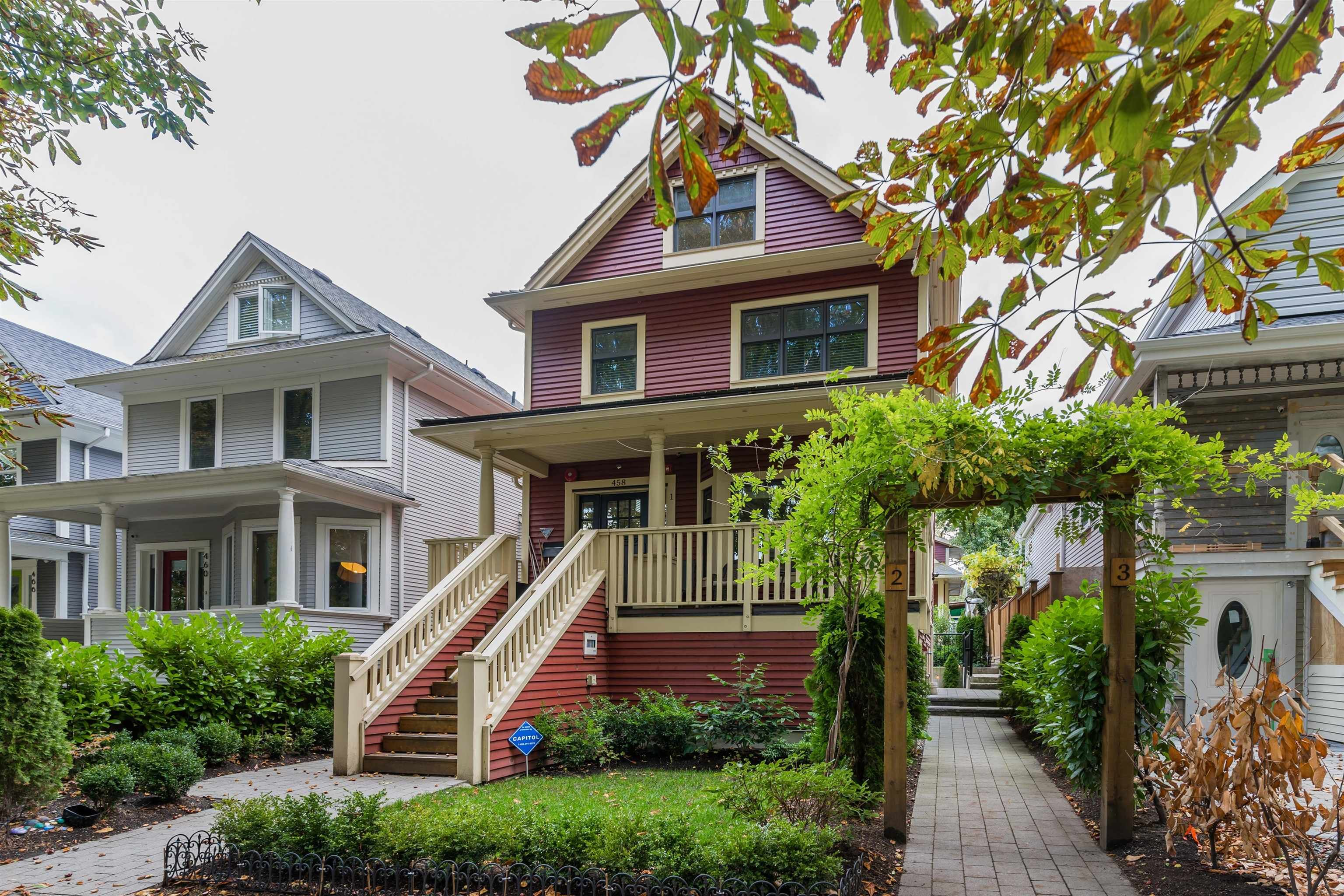 """Main Photo: 2 458 E 10TH Avenue in Vancouver: Mount Pleasant VE Townhouse for sale in """"Tremblay"""" (Vancouver East)  : MLS®# R2624910"""