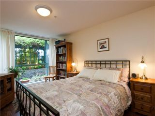 """Photo 8: # 202 212 LONSDALE AV in North Vancouver: Lower Lonsdale Condo for sale in """"Two One Two"""" : MLS®# V893037"""