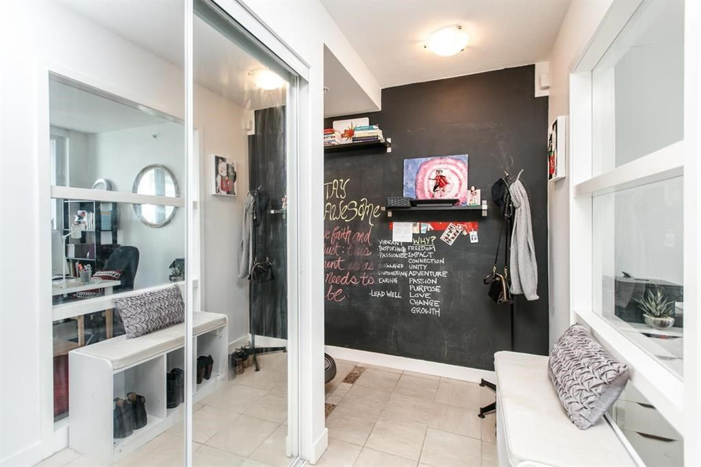 """Photo 5: Photos: 1105 1438 RICHARDS Street in Vancouver: Yaletown Condo for sale in """"AZURA 1"""" (Vancouver West)  : MLS®# R2109141"""