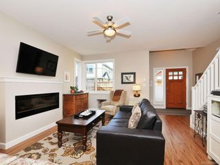Photo 2: 1042 Whitney Crt in Langford: La Happy Valley House for sale : MLS®# 688665