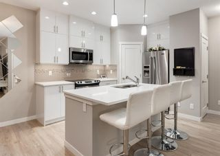 Photo 5: 604 428 NOLAN HILL Drive NW in Calgary: Nolan Hill Row/Townhouse for sale : MLS®# A1150776