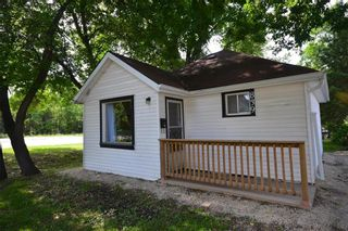 Main Photo: 839 Tache Avenue in Winnipeg: St Boniface Residential for sale (2A)  : MLS®# 202121460