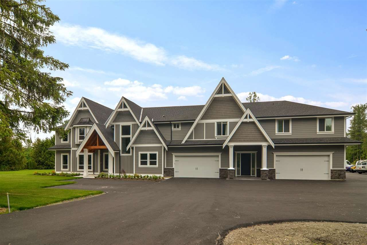 Main Photo: 21760 40 Avenue in Langley: Murrayville House for sale : MLS®# R2587467