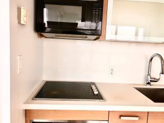 """Photo 5: 2410 10777 UNIVERSITY Drive in Surrey: Whalley Condo for sale in """"CITYPOINT"""" (North Surrey)  : MLS®# R2588021"""