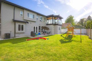 """Photo 35: 17349 58 Avenue in Surrey: Cloverdale BC House for sale in """"CLOVERDALE"""" (Cloverdale)  : MLS®# R2456848"""