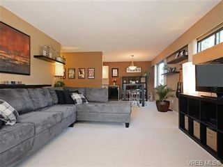 Photo 2: 308 929 Esquimalt Rd in VICTORIA: Es Old Esquimalt Condo for sale (Esquimalt)  : MLS®# 736713