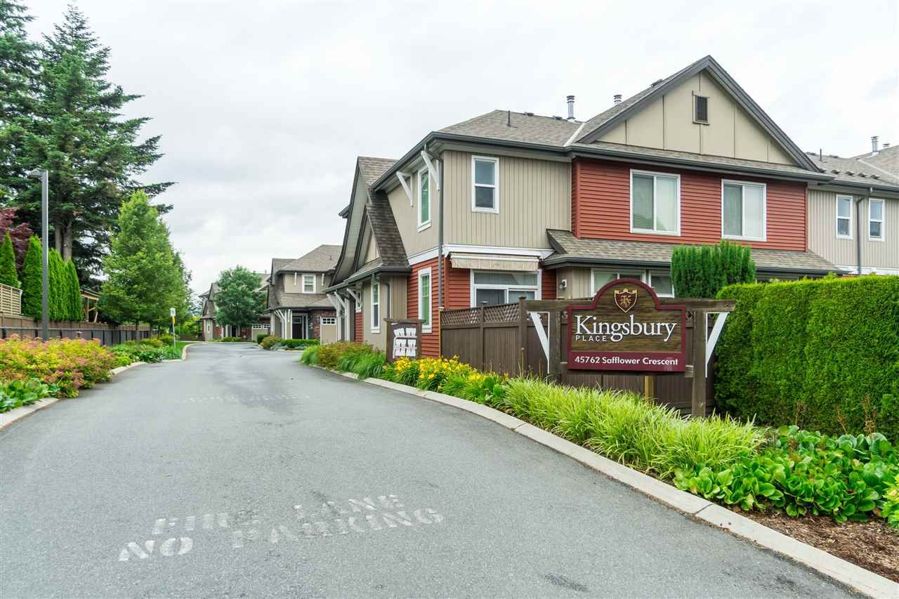 "Main Photo: 9 45762 SAFFLOWER Crescent in Chilliwack: Sardis East Vedder Rd Townhouse for sale in ""KINGSBURY PLACE"" (Sardis)  : MLS®# R2476438"