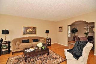 Photo 3: 73 Senator Reesor's Drive in Markham: House (Backsplit 4) for sale (N11: LOCUST HIL)  : MLS®# N2002550