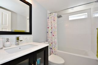 "Photo 11: 402 1616 W 13TH Avenue in Vancouver: Fairview VW Condo for sale in ""GRANVILLE GARDENS"" (Vancouver West)  : MLS®# R2058683"