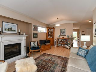Photo 4: 16 2010 20th St in COURTENAY: CV Courtenay City Row/Townhouse for sale (Comox Valley)  : MLS®# 795658
