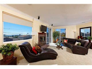 Photo 2: PACIFIC BEACH House for sale : 5 bedrooms : 2410 Geranium in San Diego