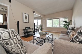 Photo 11: 404 28 Avenue NE in Calgary: Winston Heights/Mountview Semi Detached for sale : MLS®# A1117362