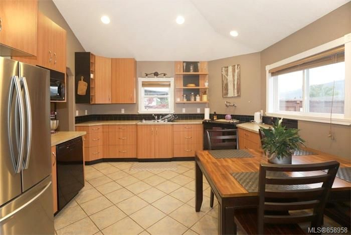Photo 4: Photos: 2672 5th Ave in : PA Port Alberni House for sale (Port Alberni)  : MLS®# 858958