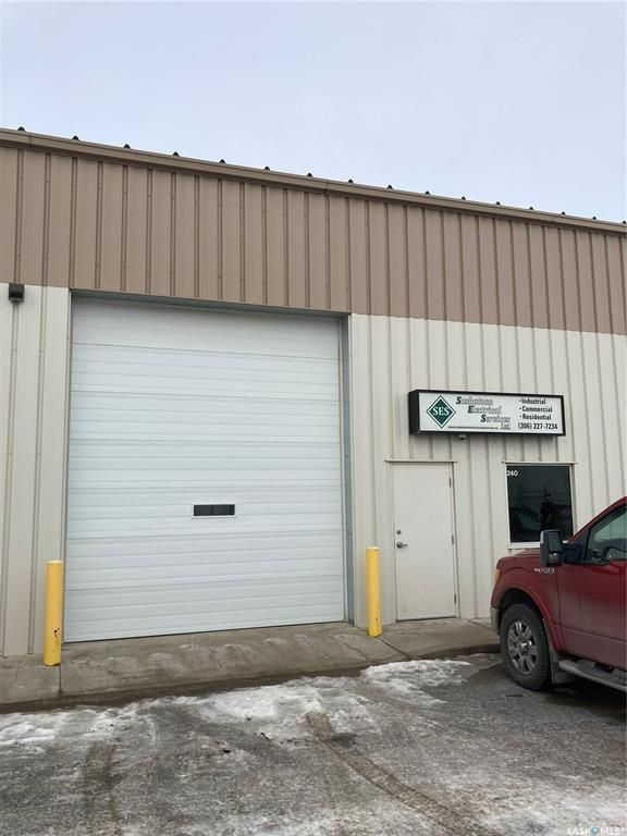 Main Photo: 240 105 Marquis Court in Saskatoon: North Industrial SA Commercial for sale : MLS®# SK839129