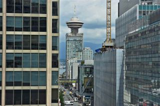 """Photo 1: 1003 833 SEYMOUR Street in Vancouver: Downtown VW Condo for sale in """"CAPITOL RESIDENCES"""" (Vancouver West)  : MLS®# R2098588"""