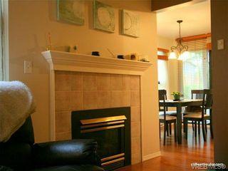 Photo 6: 101 835 Selkirk Ave in VICTORIA: Es Kinsmen Park Condo for sale (Esquimalt)  : MLS®# 735475