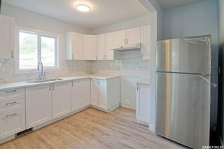 Photo 4: 323 G Avenue South in Saskatoon: Riversdale Residential for sale : MLS®# SK866116