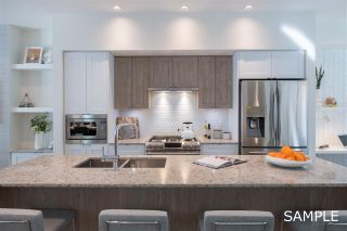 """Photo 3: 26 11188 72 Avenue in Delta: Sunshine Hills Woods Townhouse for sale in """"Chelsea Gate"""" (N. Delta)  : MLS®# R2430330"""