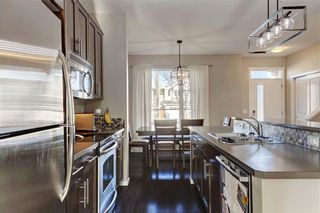 Photo 9: 25 CHAPALINA Square SE in Calgary: Chaparral Row/Townhouse for sale : MLS®# C4273593