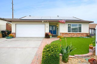 Photo 1: CHULA VISTA House for sale : 3 bedrooms : 726 Hawaii Ave in San Diego