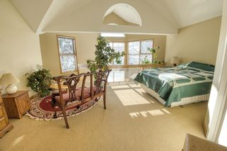 Photo 13: 232 2 Avenue NE in Calgary: Crescent Heights Detached for sale : MLS®# A1066844