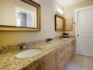 Photo 10: 1 523 34 Street NW in CALGARY: Parkdale Townhouse for sale (Calgary)  : MLS®# C3473184