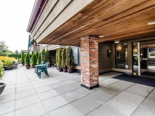 """Photo 2: 314 436 SEVENTH Street in New Westminster: Uptown NW Condo for sale in """"Regency court"""" : MLS®# R2404787"""