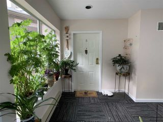 """Photo 4: 5 1552 EVERALL Street: White Rock Townhouse for sale in """"Everall Court"""" (South Surrey White Rock)  : MLS®# R2510712"""