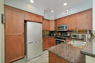Photo 6: EAST SAN DIEGO Townhouse for sale : 3 bedrooms : 5435 Soho View Ter in San Diego