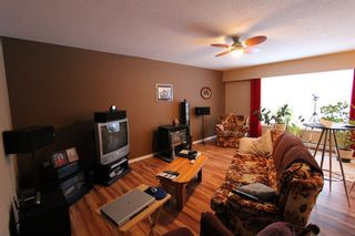 Photo 6: 1080 SE 12th Street in Salmon Arm: SE Salmon Arm House for sale (Shuswap)  : MLS®# 10074595