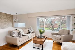 Photo 3: 3988 Larchwood Dr in : SE Lambrick Park House for sale (Saanich East)  : MLS®# 876249