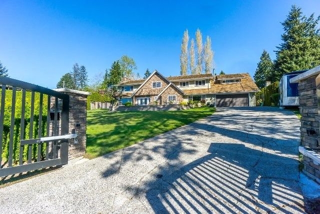 Main Photo: 12807 SOUTHRIDGE Drive in Surrey: Panorama Ridge House for sale : MLS®# R2138165