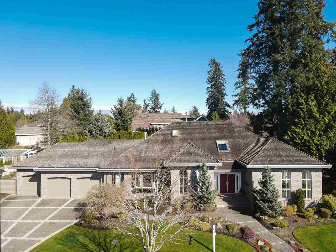 Main Photo: 2318 CHANTRELL PARK Drive in Surrey: Elgin Chantrell House for sale (South Surrey White Rock)  : MLS®# R2558616
