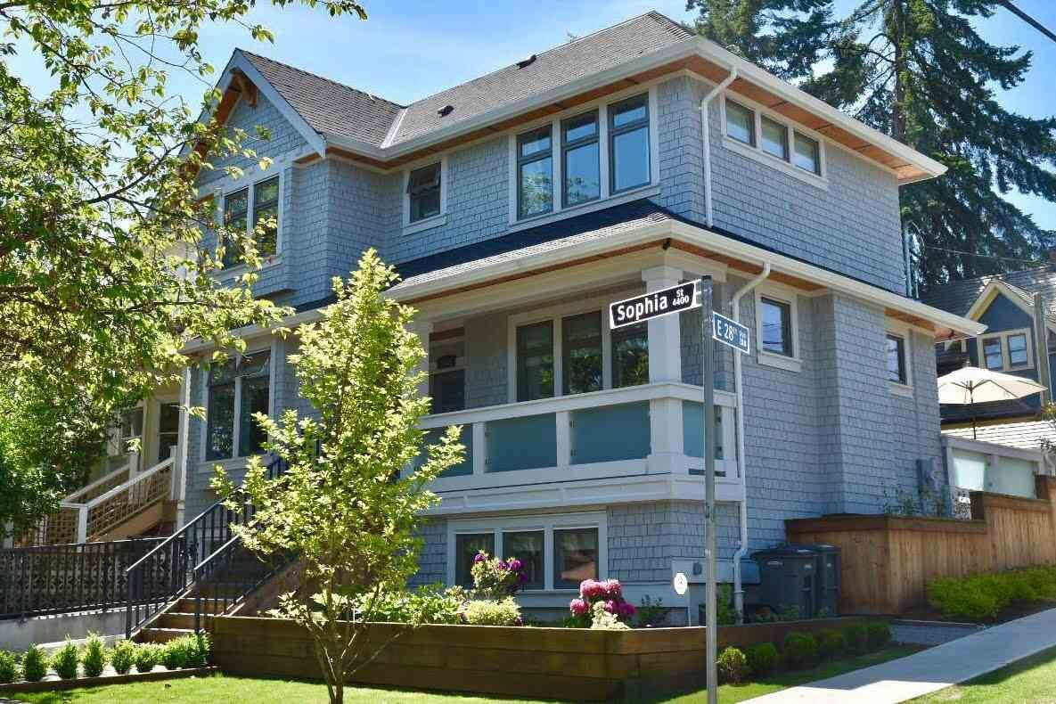"Main Photo: 4405 SOPHIA Street in Vancouver: Main House for sale in ""Main Street"" (Vancouver East)  : MLS®# R2173813"